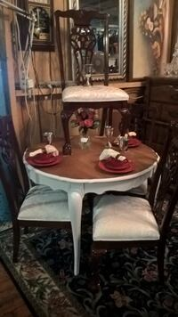 Table and Chairs GASTONIA