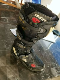 Cross fire boots used size 7.5 Lompoc, 93436