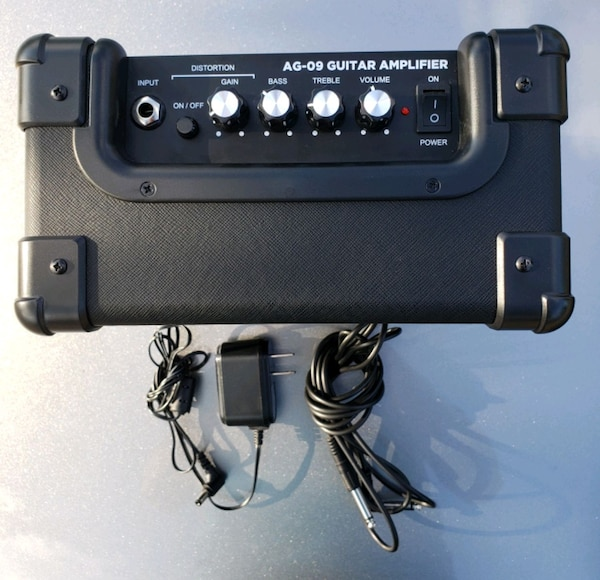 GWB electric guitar and amp 5aff0db1-5a65-40e1-8706-ab1ded1944c4