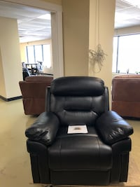 Black Leather Reclining Chair  Jacksonville, 32216