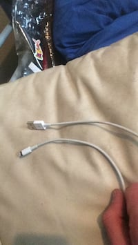 Apple iPhone charging cable Beaumont, T4X 1G6