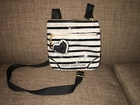 Small authentic Juicy Couture purse Laval, H7X 3N3