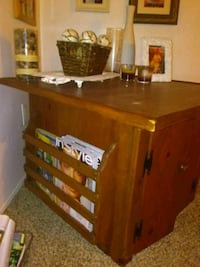 Solid wood table Bakersfield, 93301
