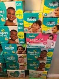 Baby's pampers swaddlers boxes Toronto, M6K 2K7