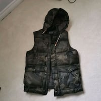 Abecrobime and fitch down filled vest, men size medium Toronto, M5J 2S7