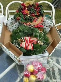 Vintage wreath with box centerpiece Christmas ball