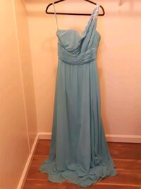 Gowns - Accepting Reasonable Offers  Modesto, 95357