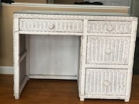 White whicker deal with 3 drawers Suitland, 20746