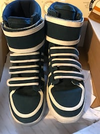 Radiis men's shoes size 10.5 East Petersburg, 17520