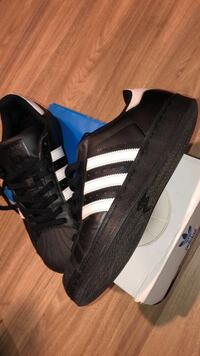 Black Superstar Adidas Size 8 1/2 [READ DESCRIPTION] San Diego, 92111
