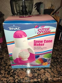 Pink Snow Cone Maker in the Box