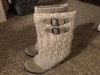 Pair of tan suede boots Carmel, 10512