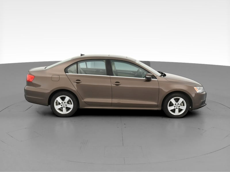 2013 VW Volkswagen Jetta sedan 2.0L TDI Sedan 4D Brown  12