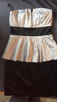 Strapless dress size small Kitchener, N2M
