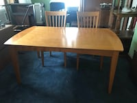Table and 6 chairs has leaf and matching hutch  Hagerstown, 21740
