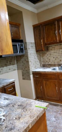 Kitchen cabinets and counter for pickup