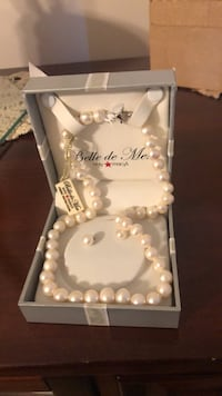 Freshwater Pearl Necklace and Earrings  Palatine, 60067