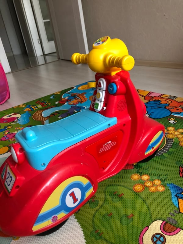 Fisher price  motosiklet bf5aed7e-07c6-4956-a2ad-eebfe46c42a2