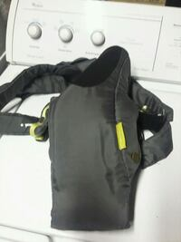 baby's black leather carrier Springfield