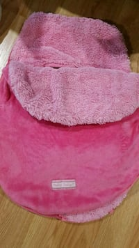 pink and white knit cap 786 km