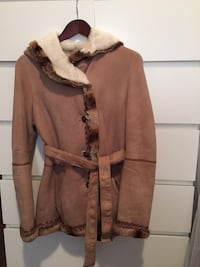 Sheepskin coat with chinchilla fur. Toronto, M8X 0A3