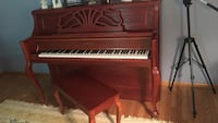 Upright Hobart Cable piano. Excellent like new condition  Voorhees, 08043