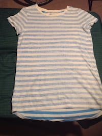 Blue and white striped tee. perfect condition. from old navy.