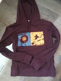 New condition hoodie MEET IN POINTE CLAIRE ONLY!!! Pointe-Claire, H9R 5T4
