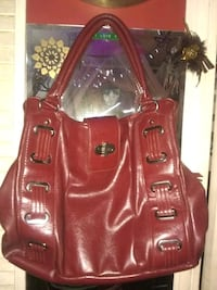 Red leather purse excellent condition Macon