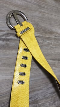 GUESS belt size M BARELY USED  London, N5W 1E8