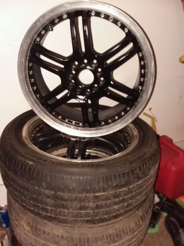 "nice set of 17 "" black rims with chrome lip. need them gone  quick. 792c6359-da50-4430-9c65-98af1de6286a"