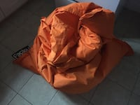 orange and brown bean bag Montréal, H3S 2E1