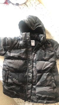 TNA Size M Puffer Jacket New Westminster, V3L 0A8