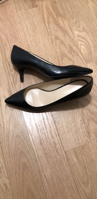 Black Nine West Kitten Heels. Like New.  Size 6. Temple Hills, 20748