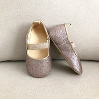 H&M baby girl glitter flats size 4- worn once Mississauga, L5M 0C5