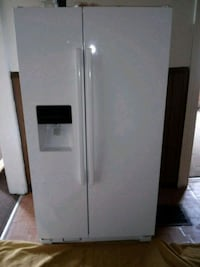 white side-by-side refrigerator with dispenser Niagara Falls, 14301