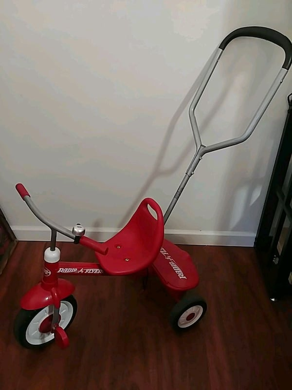 Radio Flyer Trycicle. f1c35505-347c-4d49-a828-e2c82d9632d4