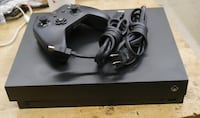 x BOX ONE x model #1787 with controller pre owned 852664-1