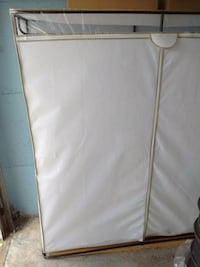 """Storage 58.5"""" x 18.5"""" x 63.5"""" Excellent condition Montreal, H4R 1A2"""
