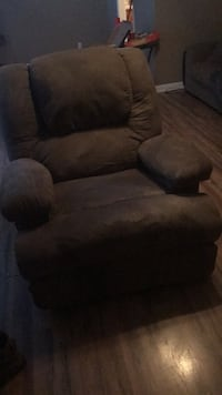 brown suede recliner sofa chair Oak Grove, 42262