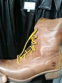 pair of brown leather boots Baltimore, 21213