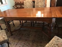 Oak dining table and 8 chairs Savannah, 31401