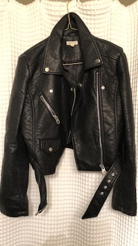 URBAN OUTFITTERS - Leather Jacket (faux) 3734 km