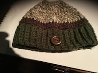 Women's Handmade Knit Wool Hat with hole for ponytail/bun Toronto, M5R 1V3