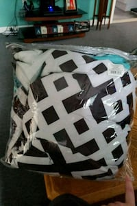 white and black with teal comforter set Westerly, 02891