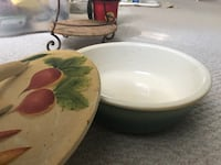 Ceramic Salad Bowl with lid.. $10 Edmonton, T6R 3S3