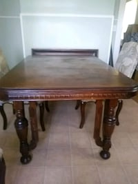 Antique oak wooden table Chattanooga, 37421