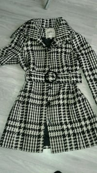 white and black houndstooth trench coat Hamilton, L8K 4W1