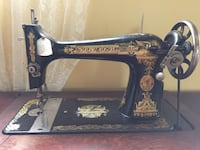 black and brown Singer sewing machine Lévis, G6V 7M5