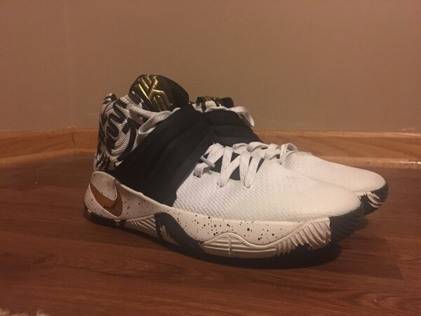 info for 1b9e5 1c3eb white-black-and-gold Nike Kyrie 2